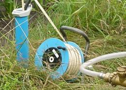 Beprobung einer Grundwassermessstelle zur Qualitätsüberwachung