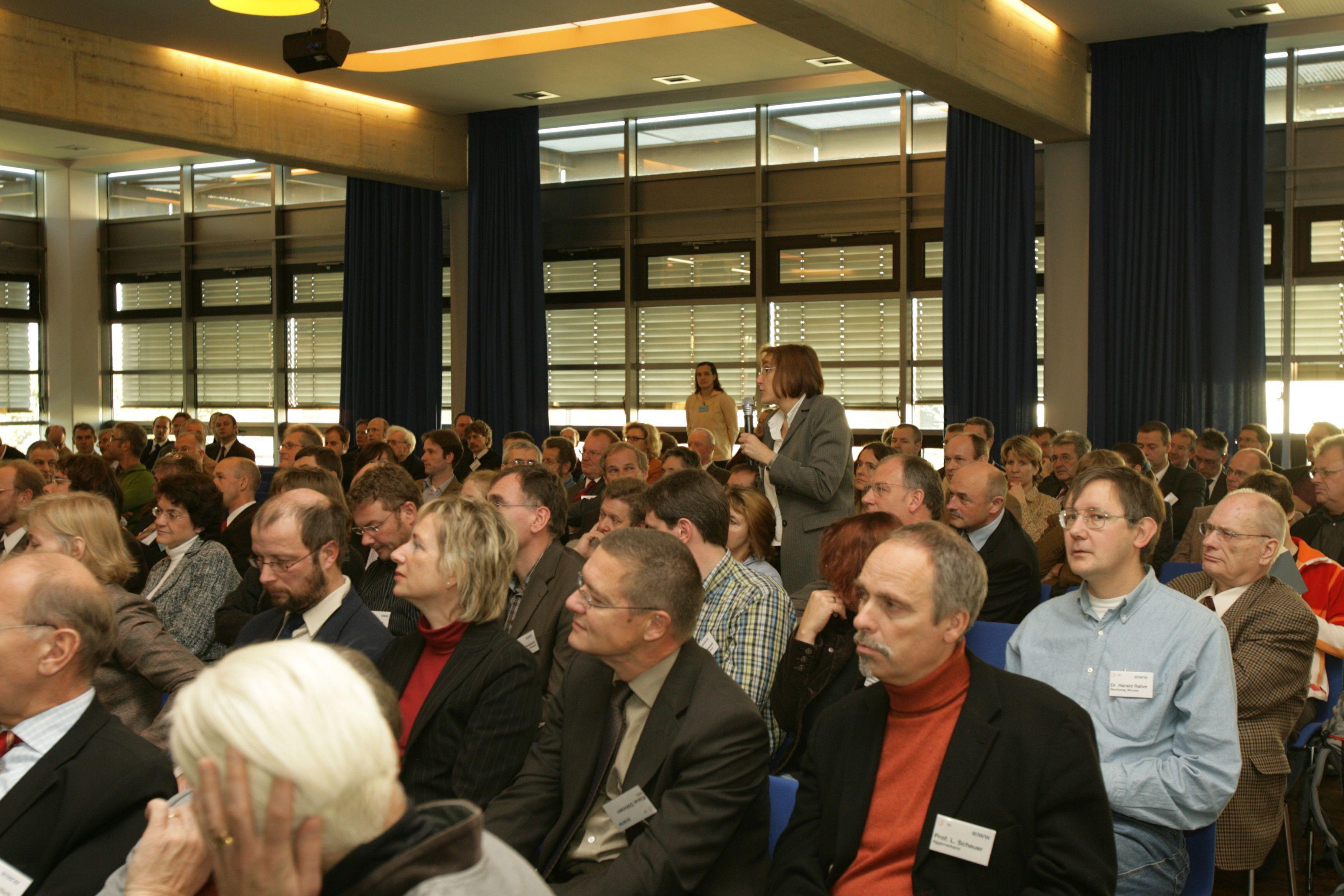 27. Mülheimer Wassertechnisches Seminar  Adsorption in der Wasseraufbereitung: Renaissance einer bewährten Technologie